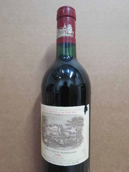 1986 Lafite-Rothschild *** PARKER 100 POINTS *** A legendary wine from a legendary vintage!! *** See my other lots!!